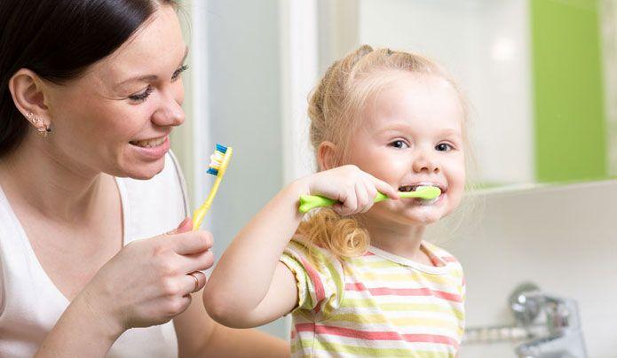 Técnicas de cepillado dental para niños y adultos